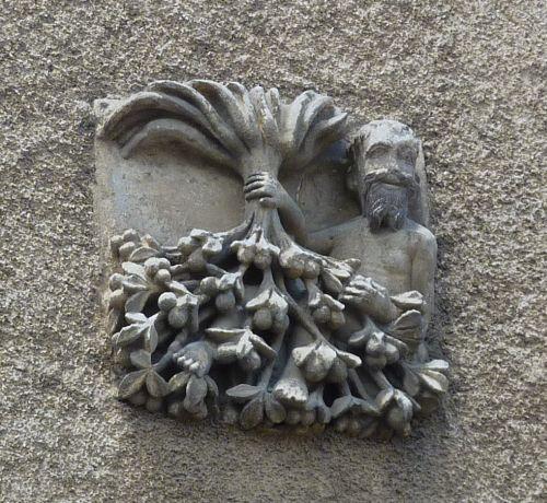 l'enseigne du noyer inversé à Poitiers