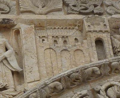 Façade de Notre-Dame-la-Grande à Poitiers, la Visitation, détail de la ville à droite