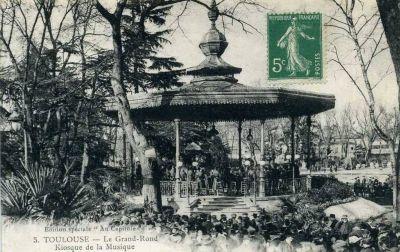 Le Grand-Rond à Toulouse, le kiosque à musique sur une carte postale ancienne