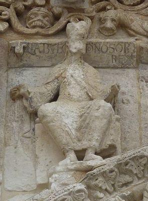 Nabuchodonosor sur la façade de Notre-Dame-la-Grande à Poitiers