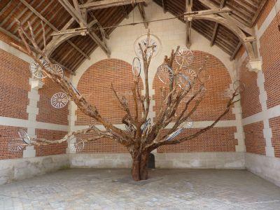 Chaumont-sur-Loire 2010, expositions des écuries, l'arbre de Mangin et Laval-Jeannet