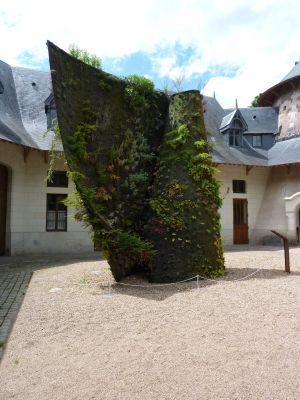 Chaumont-sur-Loire 2010, expositions des écuries, la spirale végétale de Blanc, de face