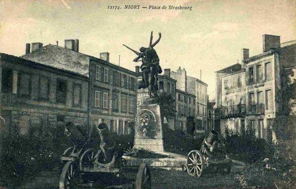Niort, Gloria Victis de Mercié, carte postale ancienne