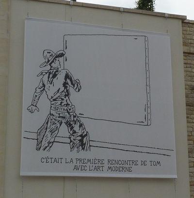 Glen Baxter à Poitiers, été 2010, sur le mur en contrebas du TAP