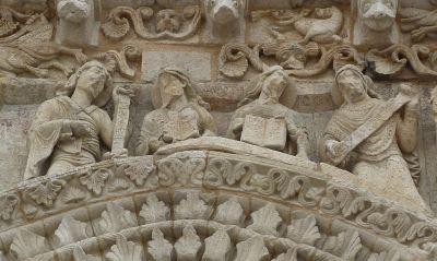 Façade de Notre-Dame-la-Grande à Poitiers, les prophètes
