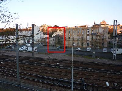 Poitiers, le quartier de Pont Achard, la tour Aymar de Beaupuy de l'autre côté du chemin de fer