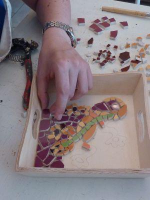 Stage de mosaïque à Tours en 2010, la pose des tesselles