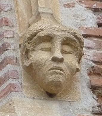 Toulouse, musée Saint-Raymond, façade postérieure, fenêtre 4, détail