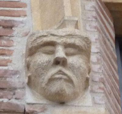 Toulouse, musée Saint-Raymond, façade postérieure, fenêtre 5, détail