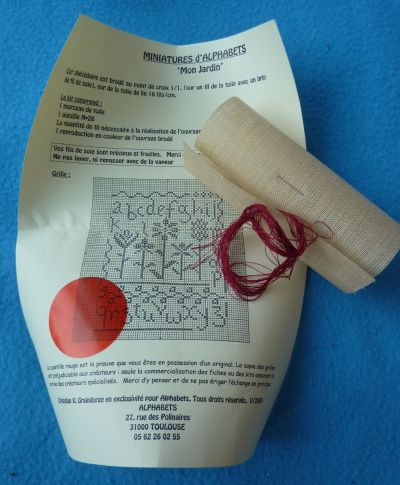 Les cadeaux de Véro bis à Tours, août 2010, le kit de broderie