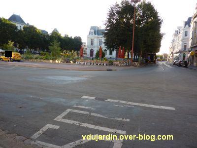 Poitiers, coeur d'agglo, 30 août 2010, vue 6, la place d'armes déserte