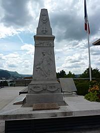 Monument aux morts de Annecy-le-Vieux (Haute-Savoie), vue générale
