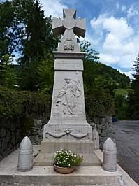 Monument aux morts des Clefs (Haute-Savoie), vue générale