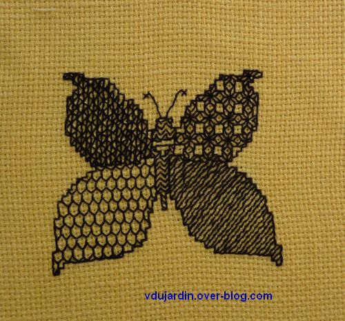 papillon au blackwork