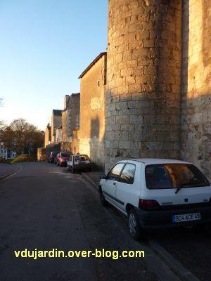 Poitiers, le rempart sud, sous la Tranchée, 1, vu du haut