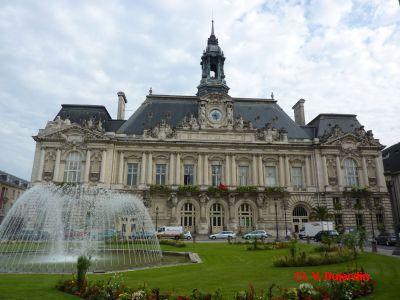 Tours, façade de l'hôtel de ville