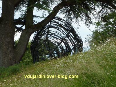 Chaumont-sur-Loire, festival 2010, le parc, 3, toit à terre de Gross