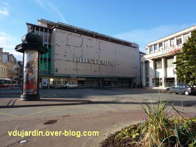 La façade du magasin Le Printemps à Poitiers