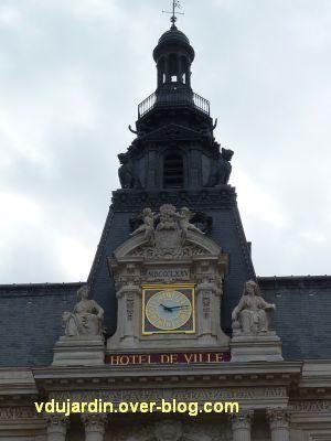 Poitiers, façade de l'hôtel de ville, 01, le beffroi