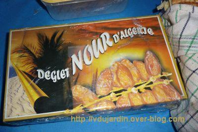 Le gros colis reçu d'Algérie, 3, des dattes