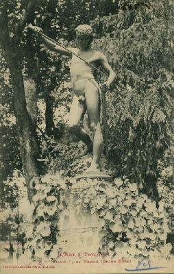 Le David vainqueur de Goliath de Mercié, au Grand-Rond de Toulouse, carte postale ancienne