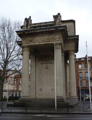 tToulouse, le monument morts de Haute-Garonne, côté droit
