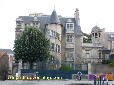 Poitiers, hôtel Jean Beaucé, 1, la façade
