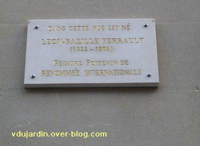 Poitiers, rue carnot, plaque commémorative à Louis Bazile Perrault