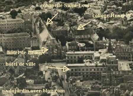 Poitiers, carte postale, vue aérienne, hôtel de ville, hôtel de Beaucé, chapelle Saint-Louis
