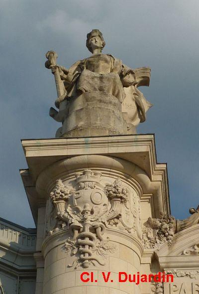 Tours, la gare, partie centrale de la façade, 5, Bordeaux de face