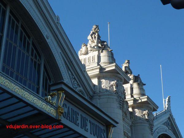 Tours, la gare, partie centrale de la façade, 4, Bordeaux et Toulouse de profil