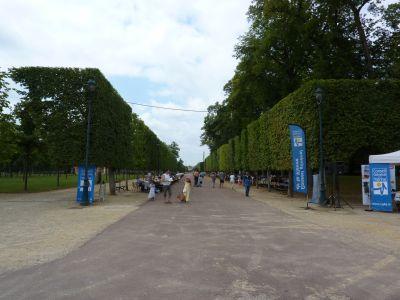 Poitiers, Bienvenue à la ferme 2010 dans le parc de Blossac, les tables de pique-nique