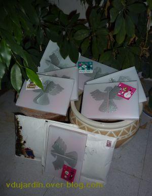 Mon ficus, version noël 2010, les cadeaux