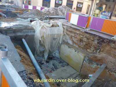 Poitiers, coeur d'agglo, 11 décembre 2010, place d'armes, 3, l'ancien tunnel