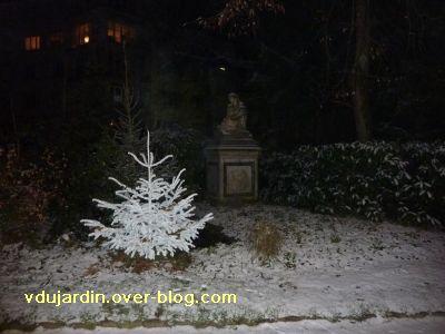 Poitiers, averse de neige du 14 décembre 2010, 3, parc de Blossac et statue