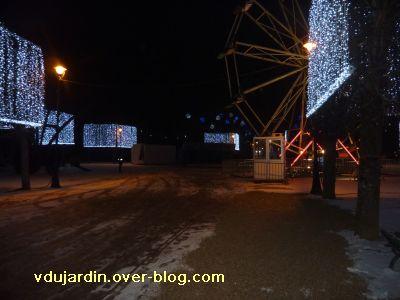Poitiers, averse de neige du 14 décembre 2010, 5, parc de Blossac , stands fermés