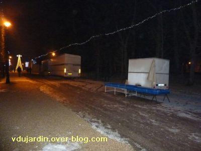 Poitiers, averse de neige du 14 décembre 2010, 6, parc de Blossac , stands fermés