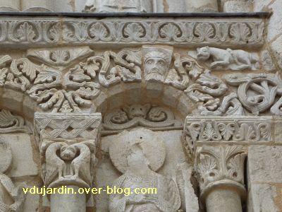 Poitiers, façade de Notre-Dame-la-Grande, deuxième niveau, 14, arc 4