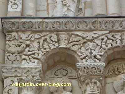 Poitiers, façade de Notre-Dame-la-Grande, deuxième niveau, 1, arc 1