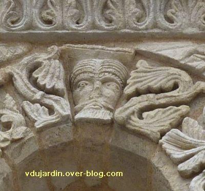 Poitiers, façade de Notre-Dame-la-Grande, deuxième niveau, 3, tête d'homme
