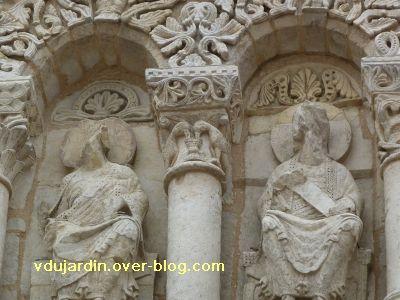 Poitiers, façade de Notre-Dame-la-Grande, deuxième niveau, 6, chapiteau 2