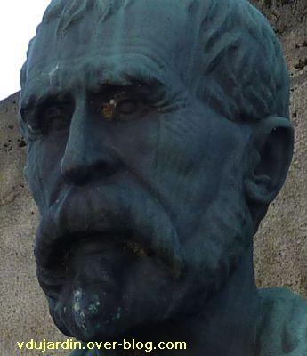 Emile Roux par René Pajot, 1937, à Confolens, 4, détail du visage