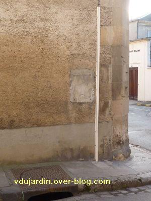 Poitiers, boîte aux lettres, 1, un fantôme