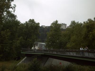 Angoulême, la cité de la BD, la passerelle et le bâtiment de l'ancien CNBDI