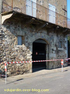 Confolens, les crues de la Vienne, 2, une maison avec la mémoire des crues