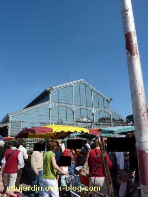 Niort, les halles, 01, un samedi de mai 2010 avec le marché