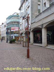 Poitiers, 5 février 2011, lampadaire 6, rue des grandes écoles