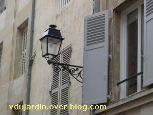 Poitiers, 5 février 2011, lampadaire 7, rue de la cathédrale