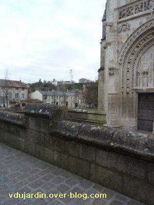 Poitiers, le parvis de Sainte-Radegonde, 5, l'emplacement du juge