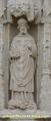 Poitiers, église Sainte-Radegonde, le portail, 4, saint Hilaire